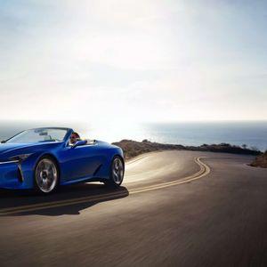 """Lexus го """"загреа"""" Лос Анџелес со заводливата кабриолет изведба на LC 500"""