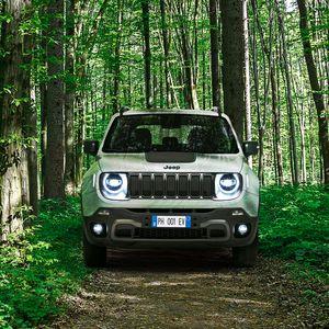Jeep ја отвори продажбата на плаг-ин хибрид изведбите на Renegade и Compass