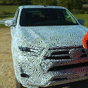 Фернандо Алонсо го тестирал прототипот на Toyota Hilux