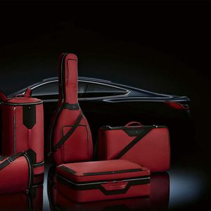 Montblanc BMW ексклузивен комплет торби за новата Series 8