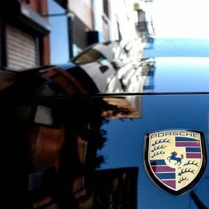 Секој работник на Porsche со априлската плата ќе добие и бонус од 9.700 евра