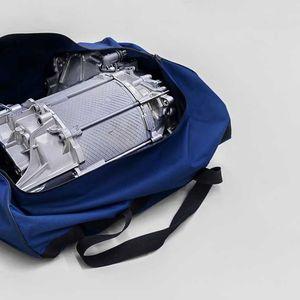 VW направи електричен мотор што може да го собере патна торба!
