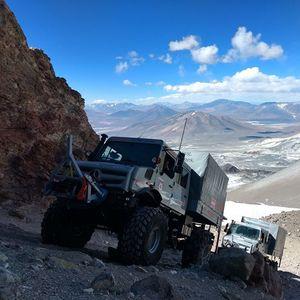 """Unimog се """"качи"""" на највисокиот вулкан во светот и стана апсолутен рекордер"""