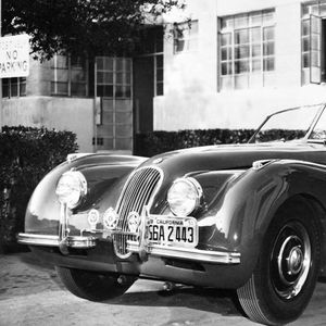 Се продава Jaguar XK120 Roadster што бил сопственост на Клерк Гебел