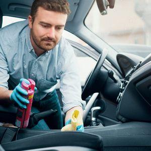 Ако еден автомобил го користат повеќе возачи задолжително дезинфицирајте го!