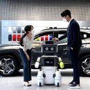 Hyundai го покажа DAL-e робот што ќе продава возила на клиенти