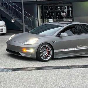 Викенд тарифа: Модифициран Tesla Model 3 побрз од Ferrari F40
