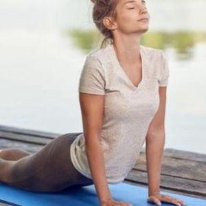 Обратни стомачни: Чудо од вежба, ги топи масните наслаги од грбот!
