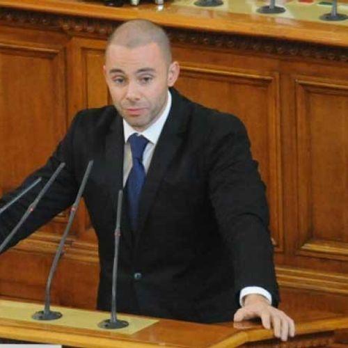 Депутатът от ГЕРБ Ненков: Президентът няма нивото на Бойко Борисов. Той е обикновен критикар