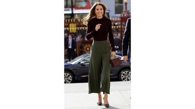 Вижте Кейт Мидълтън в стилно есенно облекло (Снимки)
