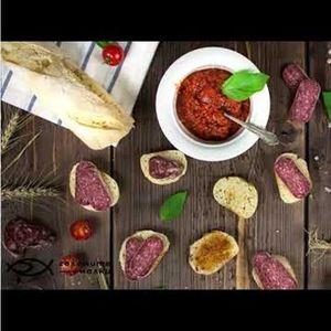 Колбасите, чийто рецепти възраждат семейни традиции