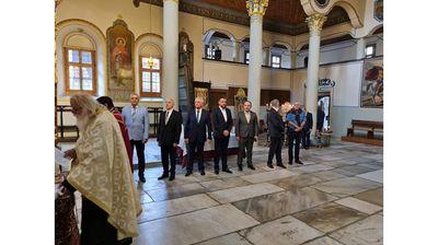 Много скромно присъствие на молебена за независимостта в Пловдив (снимки)