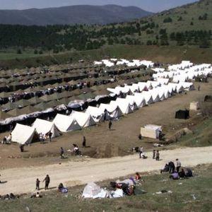"""""""BBC"""": Косовската бегалска криза во Македонија во 90 секунди"""