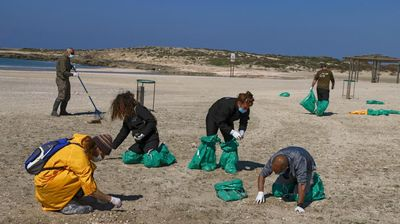 Israel clears Greek tanker over Mediterranean oil spill