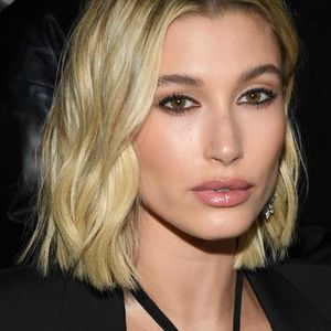 Hailey stuns in low-cut outfit