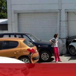 Млада дама с бял Jaguar устрои погром в автосервиз