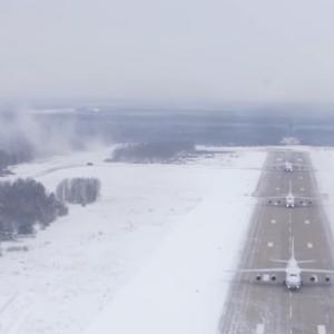"""Pogledajte """"šetnja slonova"""" An-124 """"Ruslan"""" na video snimku"""