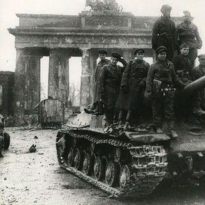 Ослободениот Берлин низ објективот на советските фотографи