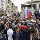 100s attend unsanctioned rally in Moscow to support journalist after drug case against him dropped