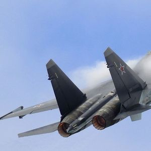Bombs away! WATCH close-up footage of Su-35S jet performing airstrike