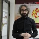 ВМРО на Апасиев му даде стан, вози алфа ромео, а глуми левичар и во Собрание доаѓа со точак