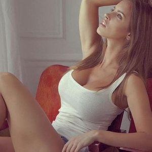 От най-секси колоездачка в света до елитен еротичен модел – вижте коя е красавицата с големи таланти (СНИМКИ)