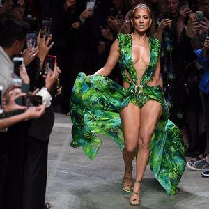 Джей Ло отново е трепач в разголената зелена рокля, с която взриви нета (СНИМКИ, ВИДЕО)