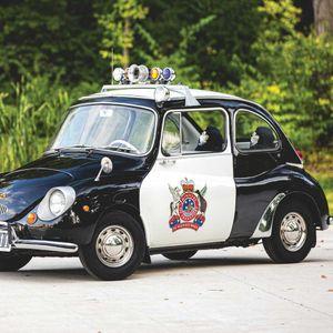 Subaru с 50-годишен стаж в полицията, много рядка находка