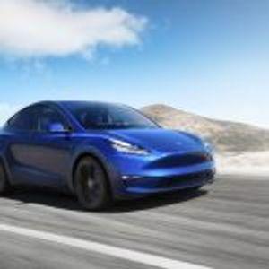 Tesla такси без возач пристигнува на улиците следната година