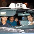 Фото на денот: Најсреќниот таксист на светот
