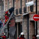 Силна експлозија во продавница за бели пецива во Париз, има повредени