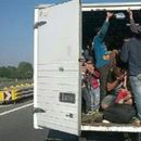 """Oткриени 40 мигранти во товарно возило """"мерцедес"""" со скопски регистарски ознаки"""