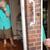 100-годишна се трогна кога го виде изненадувањето на врата (ВИДЕО)