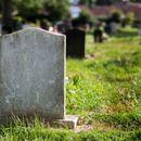 ПРОВОКАТИВЕН УКАЗ: Француски градоначалник забранил умирање дома за време на викенди и празници