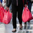Грција ја редуцира пластиката: За 98,6 отсто намалена употребата на пластични кеси во супермаркетите