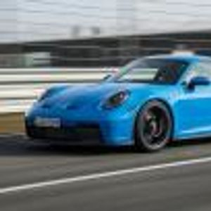 Някой вече продава току-що излязлото Porsche 992 GT3… на старо. Иска му 190 хил. евро