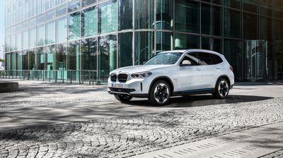 Премиера за BMW iX3 – првиот електричен SUV од Баварците / ФОТО+ВИДЕО