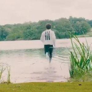 """""""Семоќниот"""" Салах трча по вода во новата реклама на Адидас"""