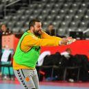 """ФОТО: Стоилов гледа одбојка на тренинг и навива за """"Спартанците"""""""
