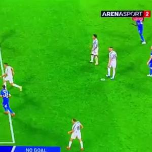 Дали е ова можно, нема гол за Јувентус, сантиметри беа во прашање