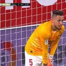 Луд финиш во Севилја: Окампос застана да брани и спречи гол од голманот на Еибар