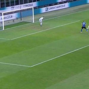 Ибрахимовиќ носи водство за Милан во куп-дербито против Интер