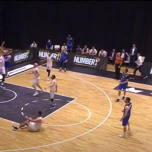 Иван Карачиќ со НБА забивање против Ловќен
