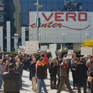 Глувите и наглувите лица на протест: Царовска сака да им наметне партиски претседател на здружението по своја желба