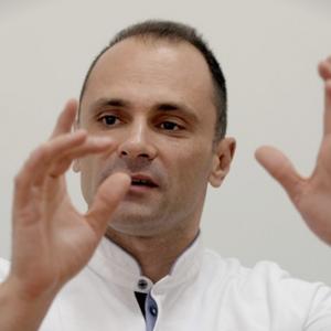 СКАНДАЛ: Филипче поставил в.д. директор на здравствена установа кршејќи неколку закони