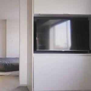 Неговиот стан има само 35 квадрати, но кога ќе видите како функционира и вие ќе посакате такво нешто!