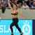 (ВИДЕО) ТОЈ ЛУД СВЕТ: Навивачка во градник влетала на терен среде фудбалски натпревар…