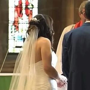 Младоженец ја оставил младенката пред олтар: Истрчал од црквата и направил нешто што ги насмеало сите присутни!