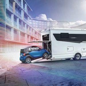 Фантастична куќа за одмор на тркала – овој кампер во себе има дури и гаража!