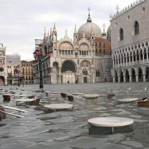 """Катастрофална поплава во Венеција: Цел град """"буквално"""" под вода"""